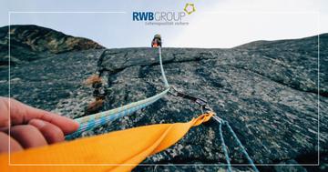 Nahaufnahme von Bergsteigerseilen